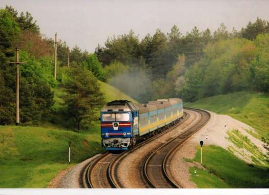 В Днепре поезд с пассажирами залило дождем. Видео