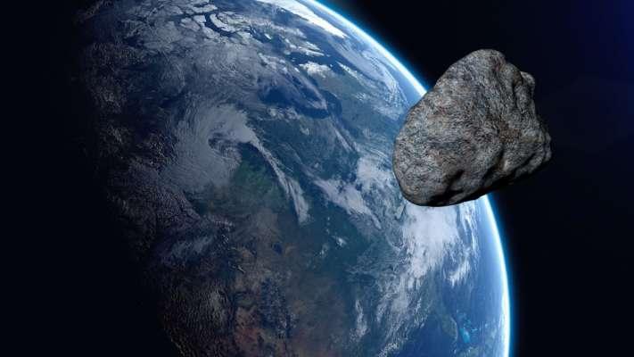 Мимо земли пролетит огромный астероид: опасен ли он для планеты