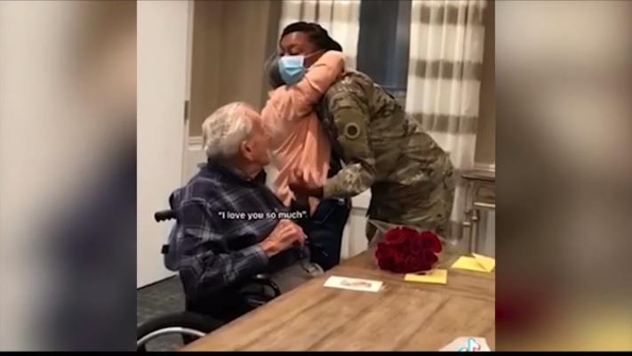 У США ветеран Другої світової війни зустрівся з дівчиною, лист якої зберігав 12 років