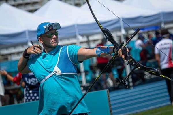 Лучник Гунбін поступився в першому матчі Олімпіади