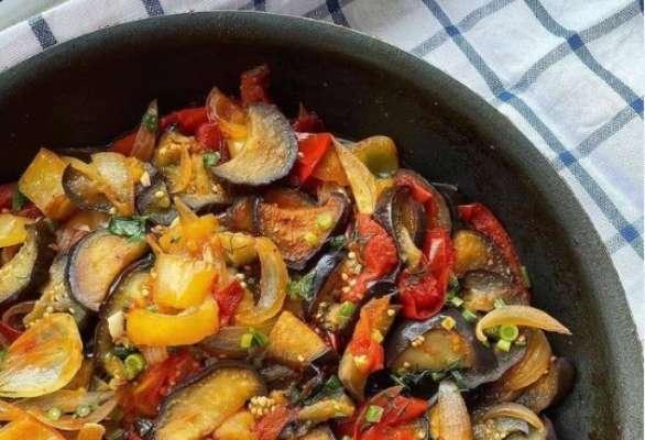 Сковородка с овощами