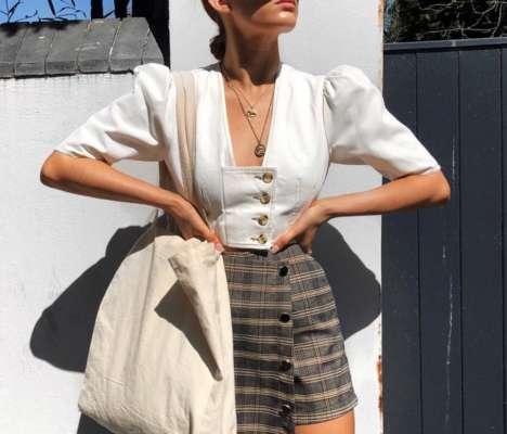 Девушка в юбке-шортах