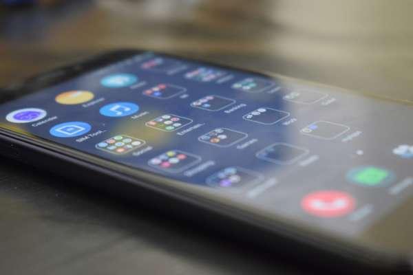 Xiaomi планує відмовитися від порту зарядки в смартфонах