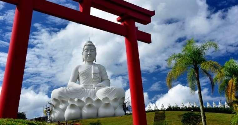 У Бразилії відкрили статую Будді, яка вища за Христа-Спасителя в Ріо