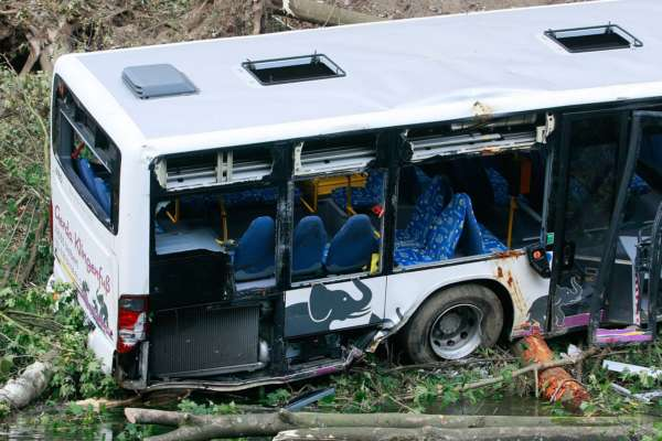 Аварія автобуса в Індії: 10 людей загинули