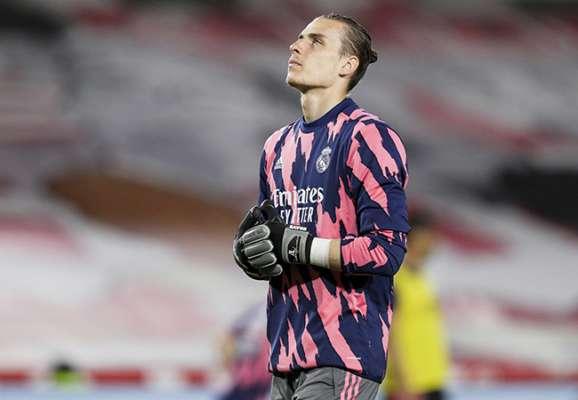 Реал вирішив поки що не відпускати Луніна в оренду в клуб Сегунди