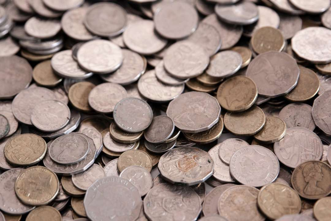 Чоловік після звільнення замість зарплати отримав 230 кг монет