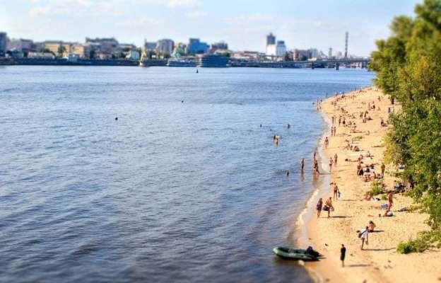 На пляжах Києва знайшли кишкову паличку: де не рекомендують купатися