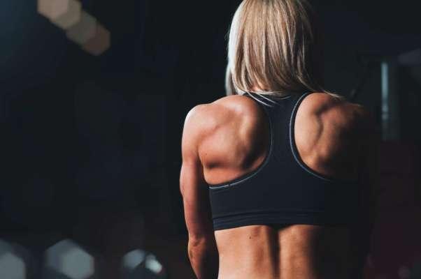 5 вправ за 5 хвилин, які допоможуть позбутися болю у спині та шиї