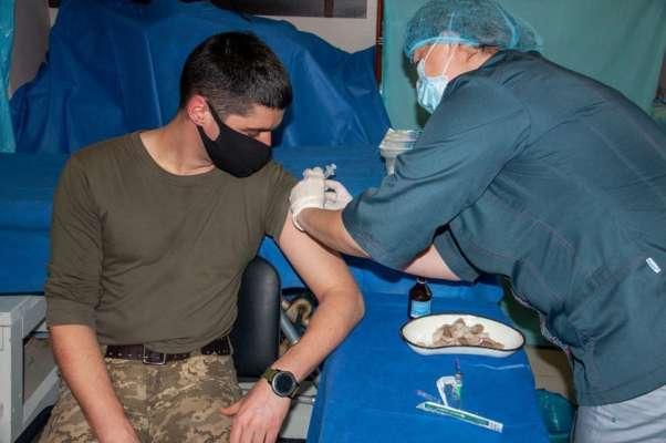 На Донбасі розпочався процес вакцинації українських військових