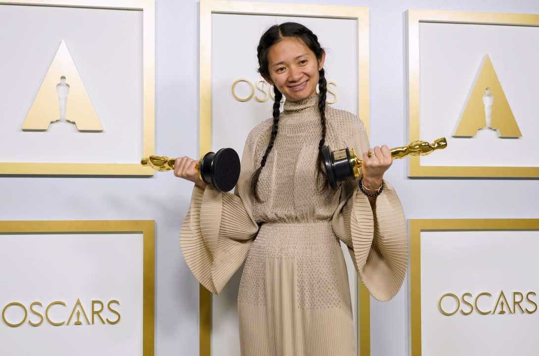 Оскар-2021: Компартия Китая запретила СМИ писать о режиссере, которая получила награду