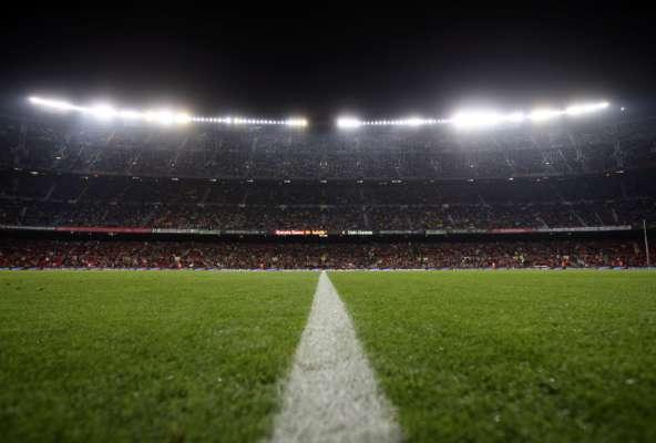Бігали голі по газону: у Норвегії футболісти влаштували секс-вечірку на стадіоні