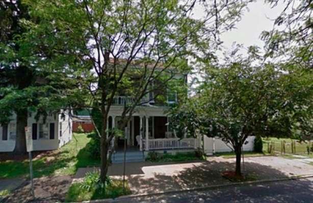 В Нью-Йорке выставили на продажу дом с привидениями почти за $ 445 000