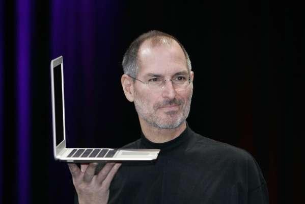 В США на аукционе продадут рукописное резюме Стива Джобса
