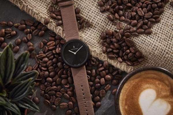В Германии выпустили часы из кофейной гущи