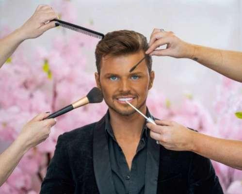 Мужчина сделал десятки пластических операций, чтобы выглядеть как Кен