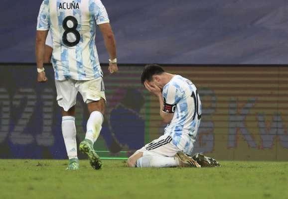 Слезы и эйфория. Как Месси отпраздновал свой первый трофей со сборной Аргентины (ФОТО + ВИДЕО)