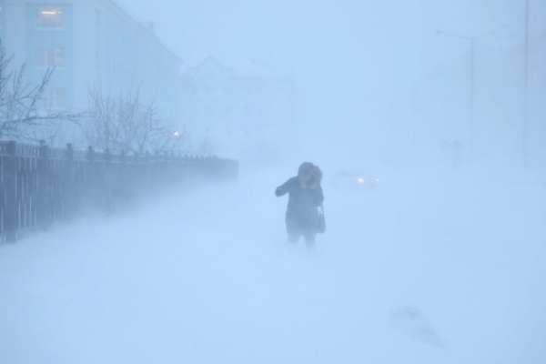 Непогода в Украине: синоптики советуют остаться дома