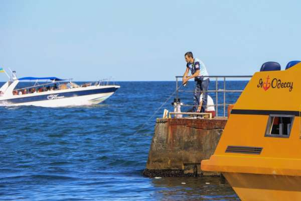 В Одесі радять утриматися від купання у морі: причина