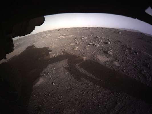 Марсохід NASA шукає тимчасове місце паркування на Червоній планеті