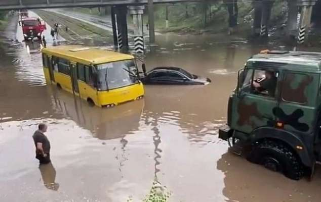 Мариуполь затопило водой
