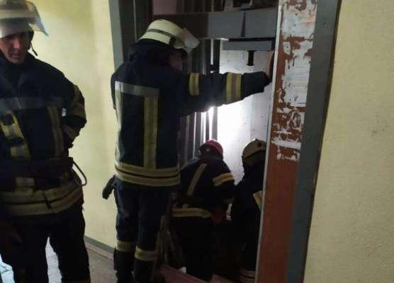 В Киеве в шахте лифта нашли тело мужчины