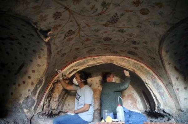 В Турции археологи нашли четыре сотни древних гробниц