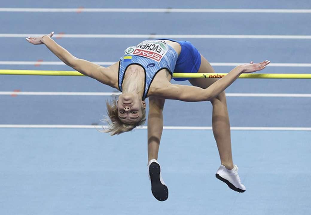 Эффектно получилось. Левченко показала, как прыгает в длину (ВИДЕО)