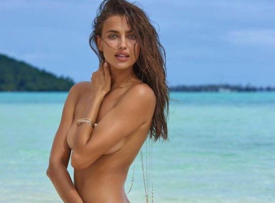 Модель Ірина Шейк показала, як виглядає без одягу. Відео