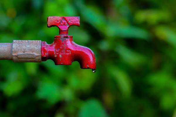 Тарифы на отопление и горячую воду в этом сезоне не поднимутся выше