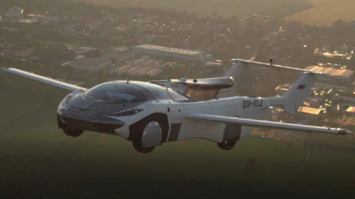 Автомобиль-трансформер AirCar совершил первый междугородный полет. Видео исторического события