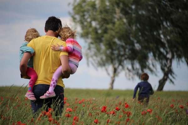 Связано ли счастье в браке с детьми