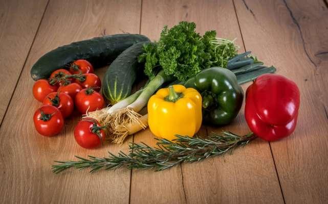 Які продукти допоможуть відновити водний баланс в організмі