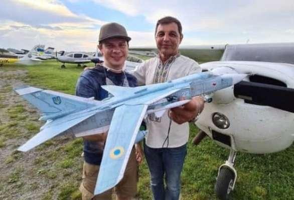 Дмитрий Комаров с другом, который погиб в авиакатастрофе на Прикарпатье