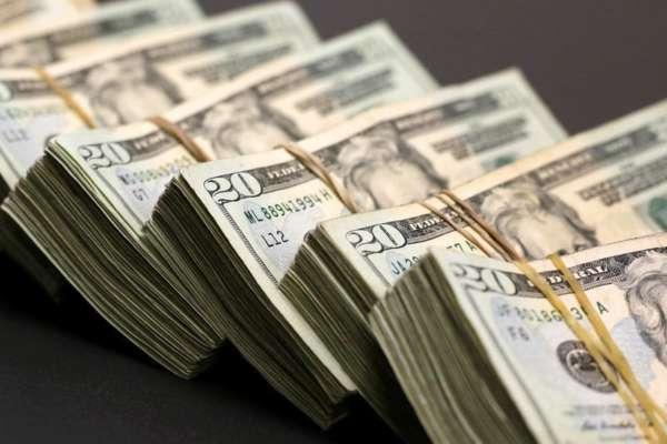 Гривна укрепилась к доллару: курс на 1 февраля