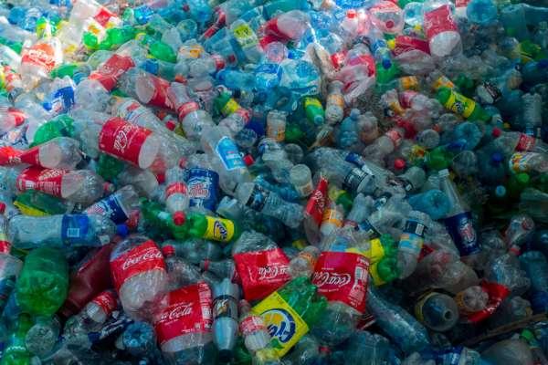 На украинской антарктической станции будут делать сувениры из пластиковых отходов