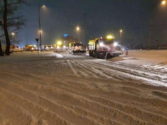 Из Киева вывезли 350 тонн снега