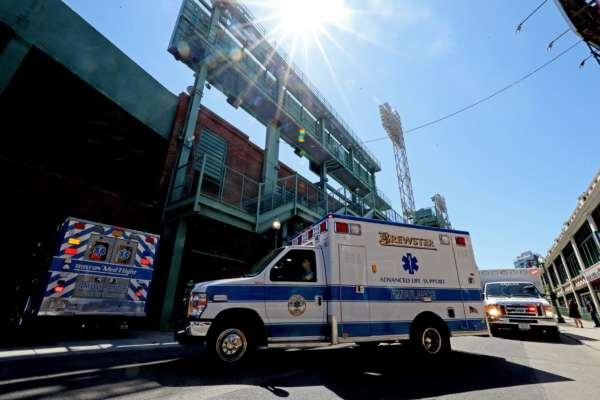 Американець викрав карету швидкої допомоги та сам відвіз себе у лікарню