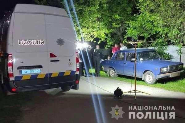 У Черкаській області виявили труп чоловіка в багажнику з грошима