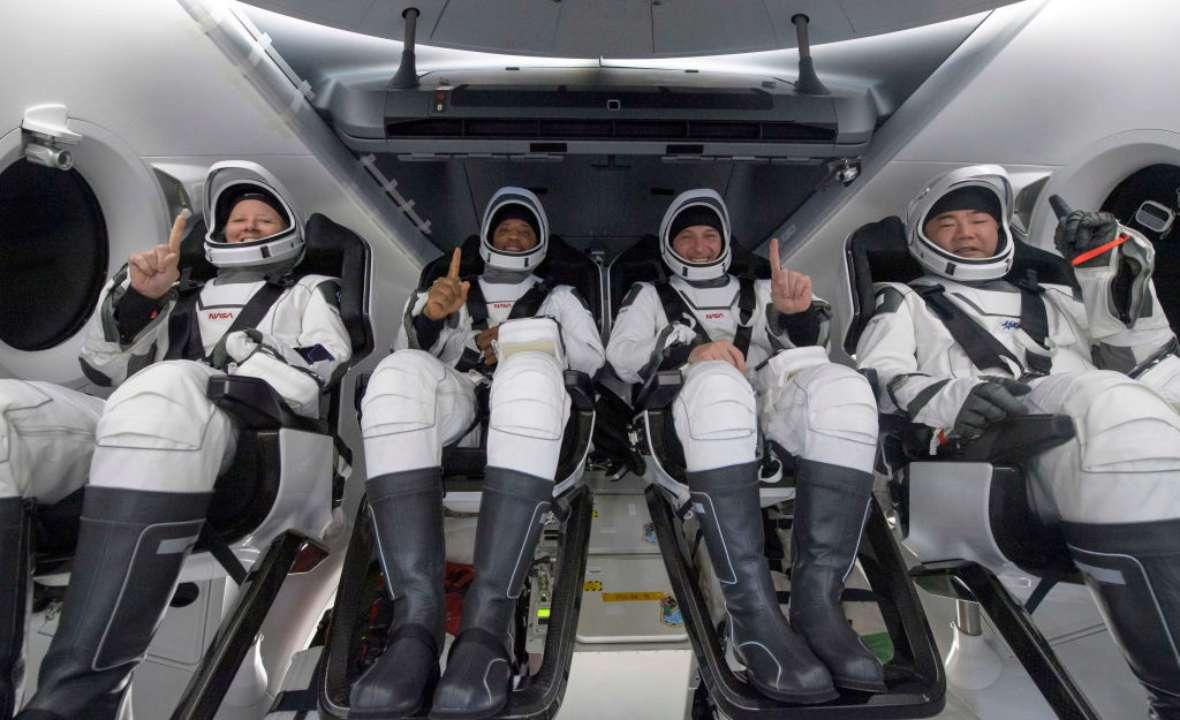 NASA вернул на Землю четырех астронавтов