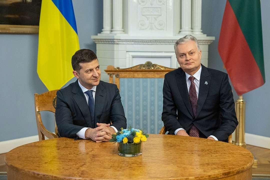 В Украину прибывает президент Литвы для встречи с Зеленским
