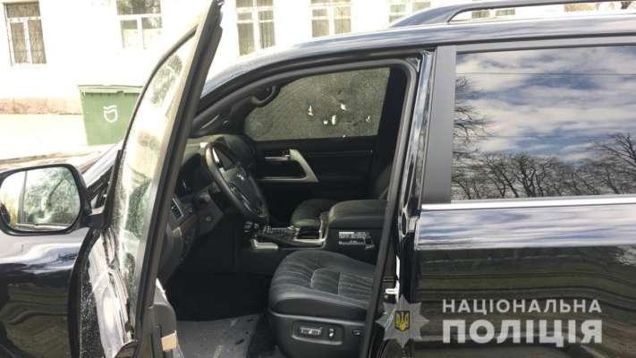 У Дніпрі посеред вулиці застрелили чоловіка: відео