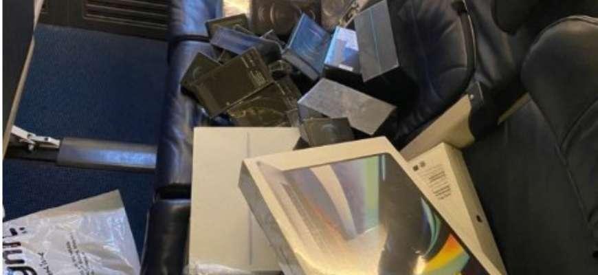 Бортпровідники намагалися ввезти в Україну контрабандні iPhone