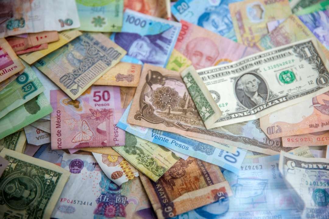 Курс валют на 8 квітня: євро продовжує рости в ціні