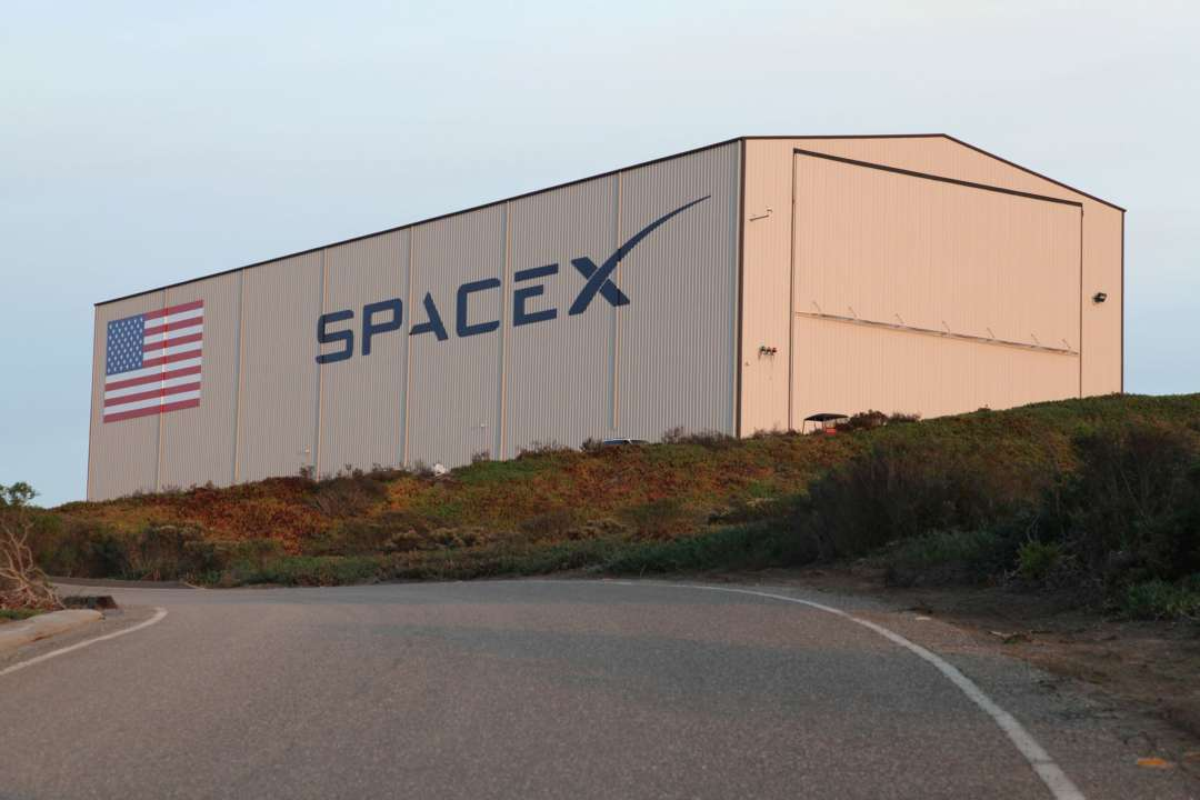 SpaceX готовится отправить на орбиту новую партию спутников Starlink
