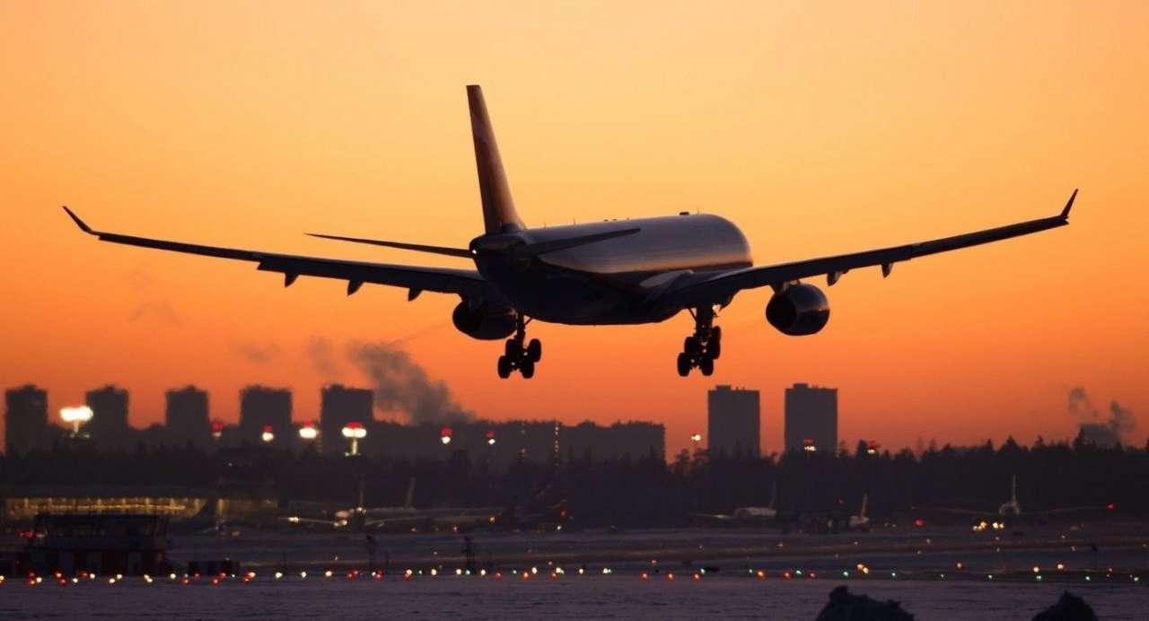 Авіакомпанія  Lufthansa заявила про заборону перельоту в звичайних масках