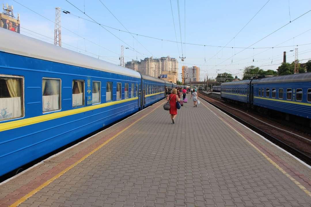 В поїзді Київ – Костянтинівка військові влаштували стрілянину