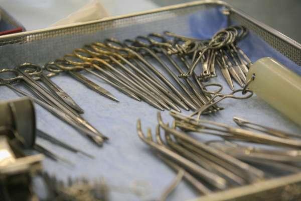пацієнтові замість вакцинації проти коронавиірусу зробили стерилізацію