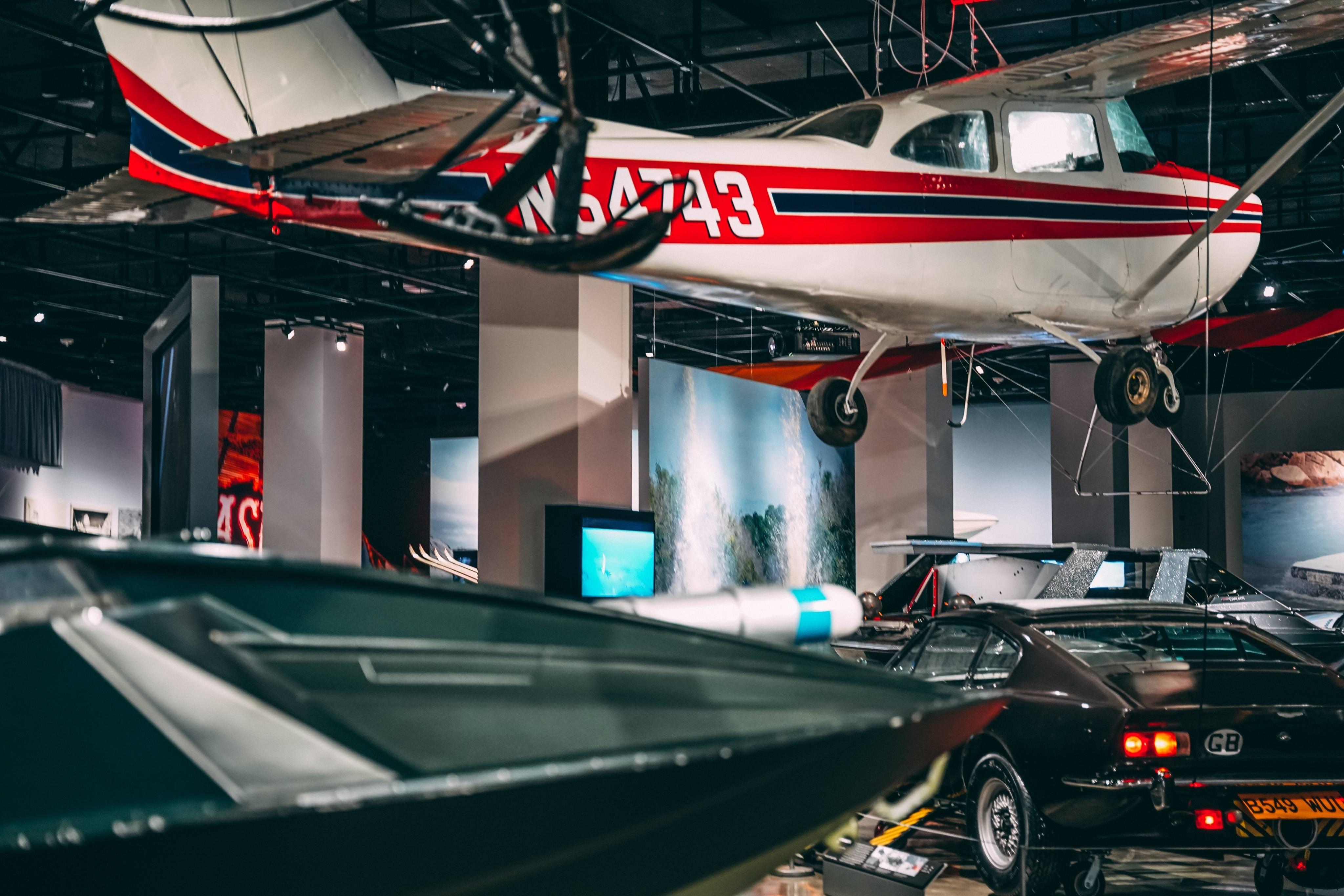 В США открылась выставка автомобилей Джеймса Бонда (фото, видео)  2