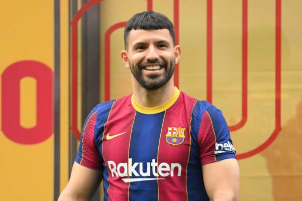 "Серхио Агуэро: ""Любой игрок бегом прибежит в Барселону"""